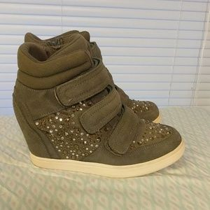 Aldo wedge studded sneakers size 8.5